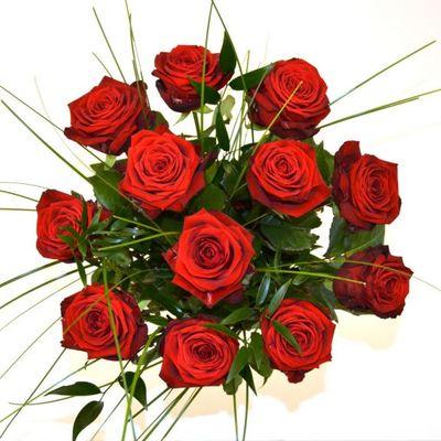 Roter Rosenstrauß von Florito FlowerPost auf blumen.de