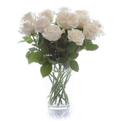 blumenstrau strauss weisse rosen von bloompost auf